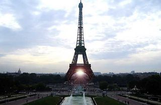 Samolotem bliżej także do Paryża